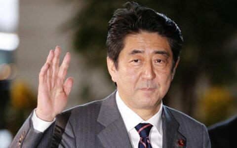 安倍晋三宣布因结肠炎复发辞去日本首相职务